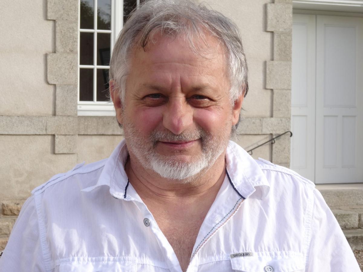 Guy Rouchon. Maire d'Ajain | La Courcelle
